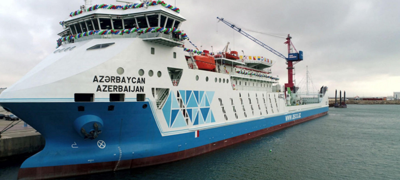 Паром «Азербайджан» доставил в нашу страну современную технику